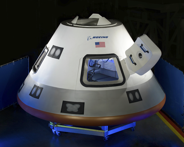 01-boeing-cst-100-nasa-commercial-crew-program-nasa-image-posted-on-spaceflight-insider Boeing и SpaceX построят пилотируемый корабль для NASA
