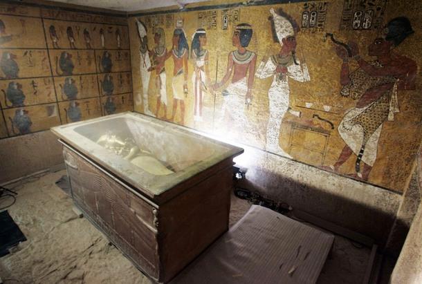 1043 В гробнице Тутанхамона нашли тайные комнаты