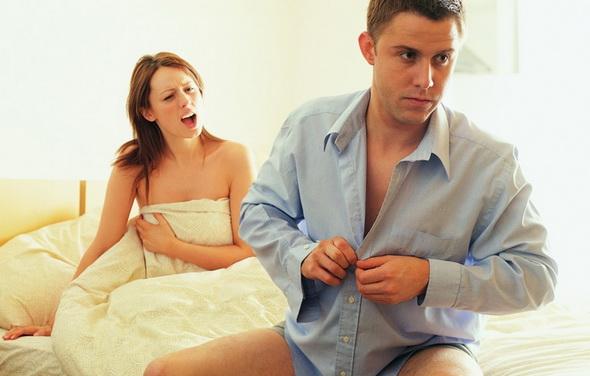 Половина мужчин - против секса на первом свидании