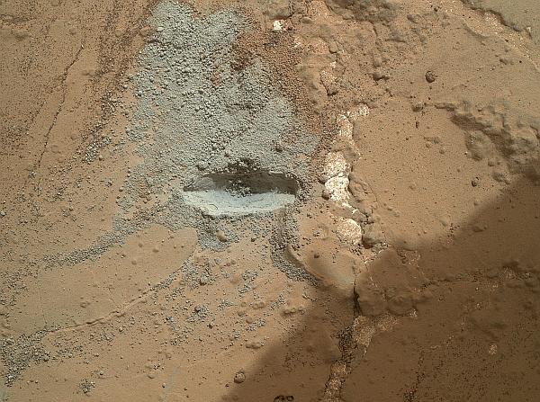 Поверхность Марса отбелили?