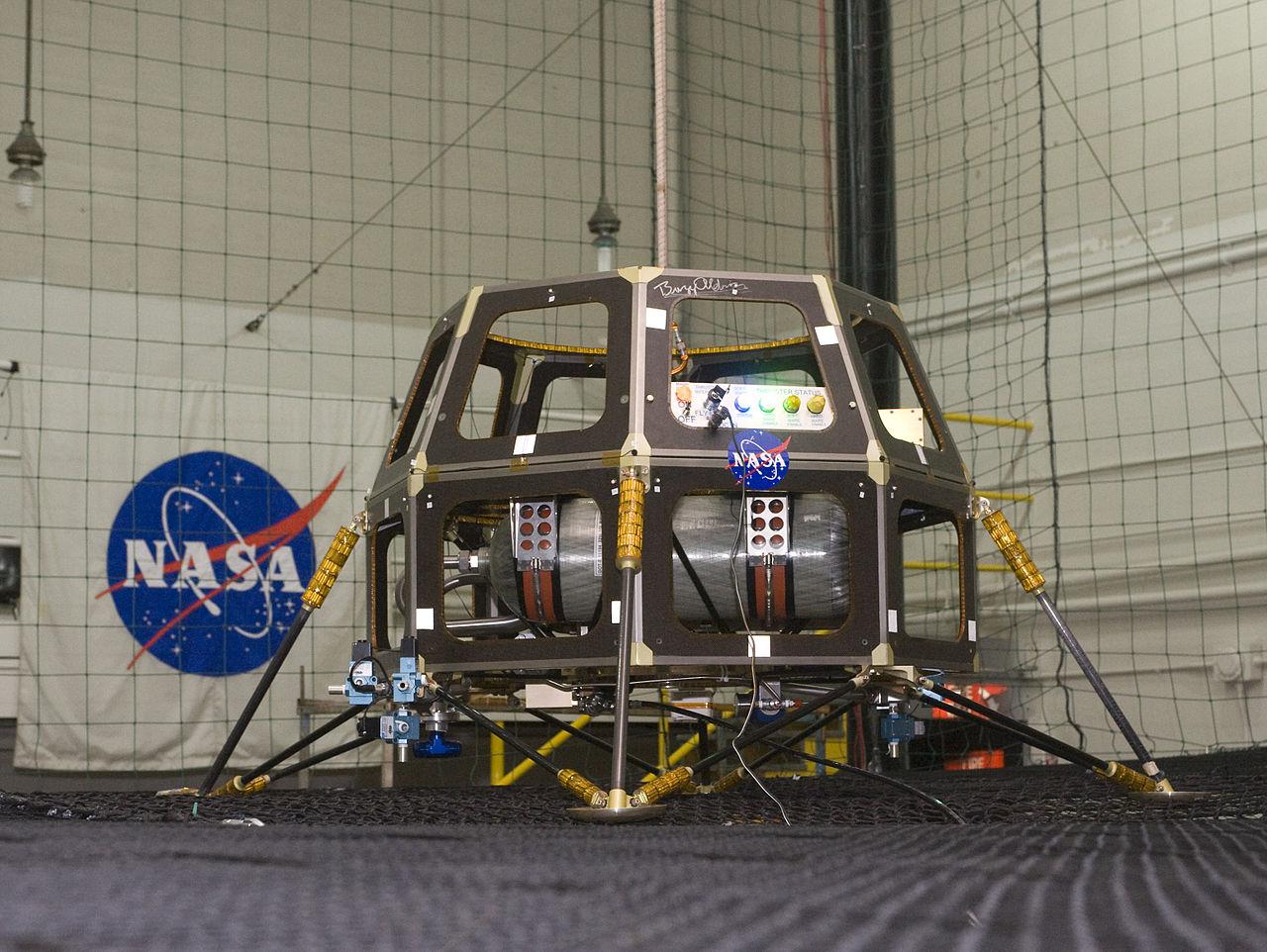 1280px-mcsb_-_ladee Зонд LADEE начинает выполнение своей лунной миссии