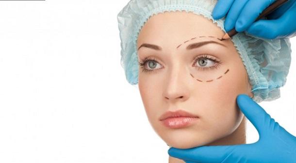 13210 Из-за неудачных селфи люди стали чаще делать пластические операции