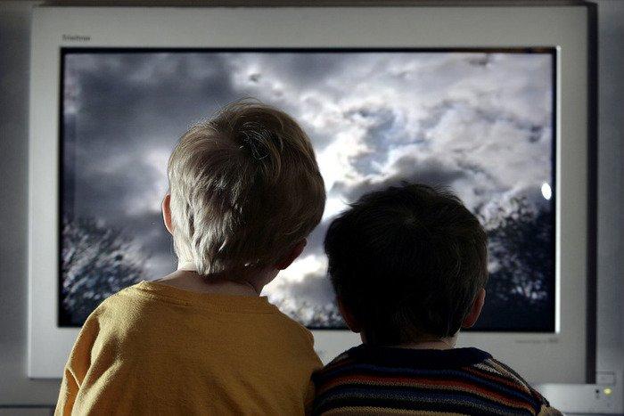 1346571058_55569413_20090124xxlpeter_macdiarmid_getty_images_52086556 Просмотр телевизора влияет на качество сна детей