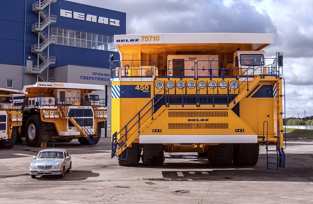 1384280362-9908012dee77c635c0106b3fab4d9f9c БелАЗ 75710 признан самым большим автомобилем в мире