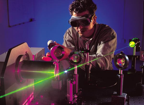 1397 Физики создали сверхмощный настольный лазер