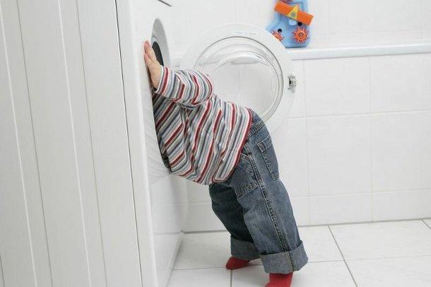 1458029922_1 Ученые назвали самые опасные для детей моющие средства