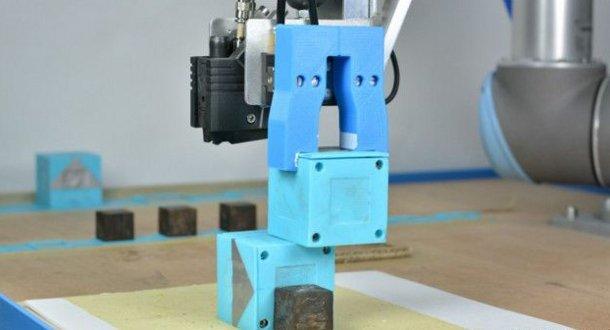 150812104933_baby_robots_624x351_cambridgeuniversity Ученые создали робота, способного самостоятельно обучаться