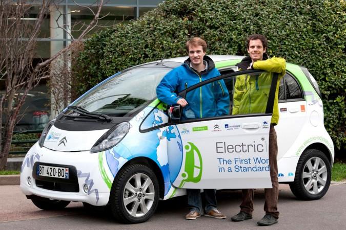 154 Инженеры из Франции отправились в кругосветное путешествие на электромобиле