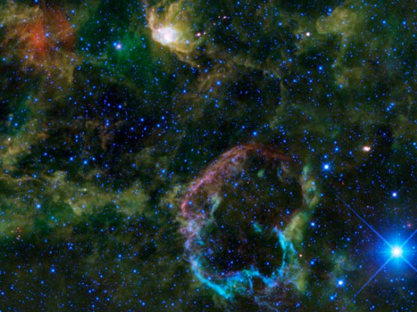 2 Туманности необычной формы от телескопа WISL