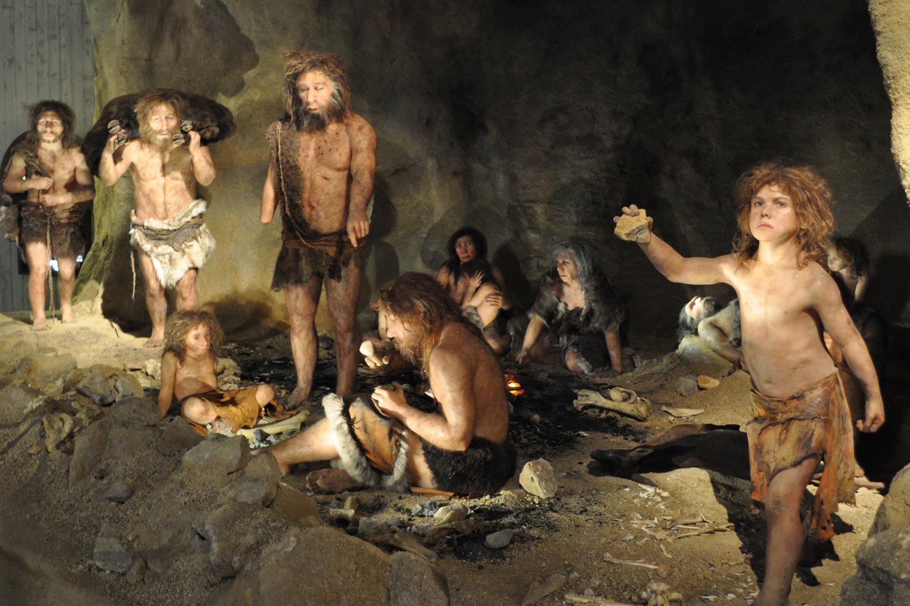 2010-148-1 Ученые установили, что неандертальцы предпочитали хоронить своих умерших