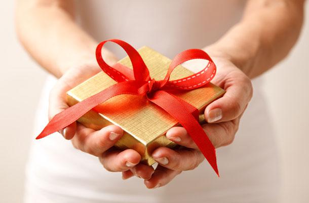 20121211_giftguidemain Делая добрые дела, человек становится счастливее