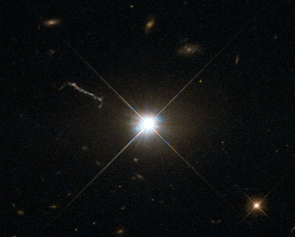 248 «Хаббл» сфотографировал квазар