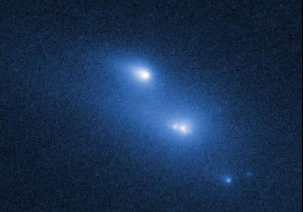 268 «Хабблу» впервые удалось снять распад астероида