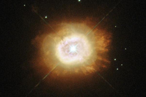 350 Телескоп APEX сфотографировал туманность «Кошачья лапа»