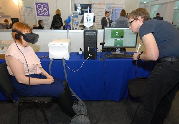 412-_ В Самаре предлагают для реабилитации пациентов после инсульта использовать очки VR
