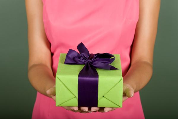 425 Психологи доказали, что женщины лучше мужчин выбирают подарки