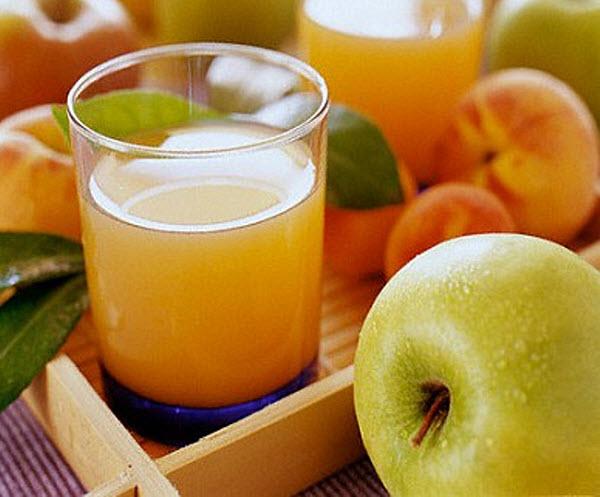 502 Врачи: пить соки больше трёх стаканов в день вредно