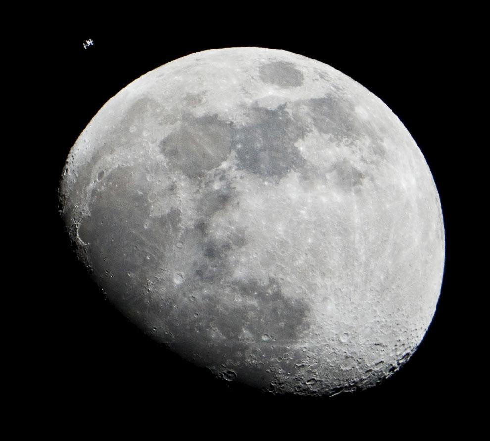 5af0f11929b6be07881421b415e Стартовала продажа билетов на Луну по цене от 150 млн долл.