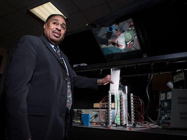 750x-1 Американский ученый намерен создать машину для получения сообщений из будущего