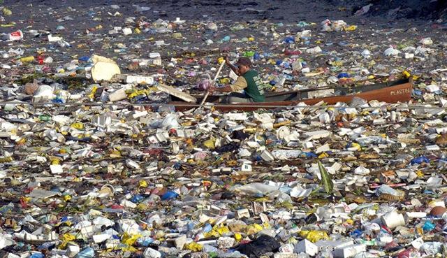 76576539 Побережью США приближается остров из мусора