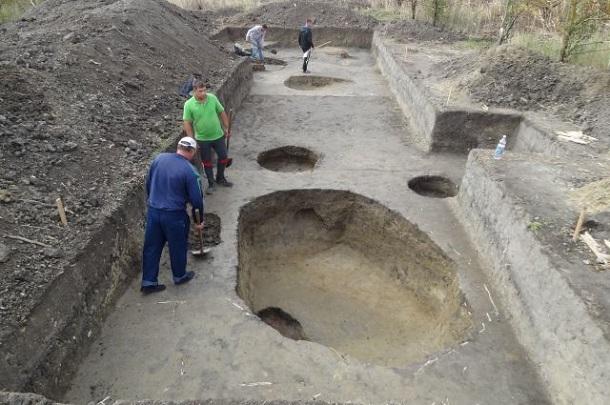 78ef375510f5a1f3b2c52f38f9ba5ec3 В Сочи обнаружили развалины византийского храма