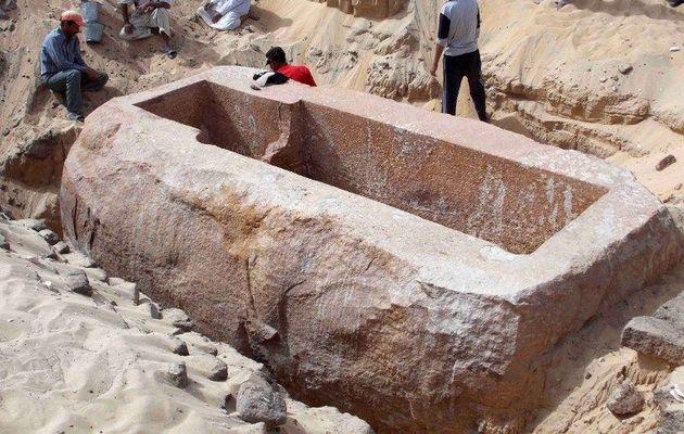 80126 В Египте найдена гробница фараона Себекхотепа I