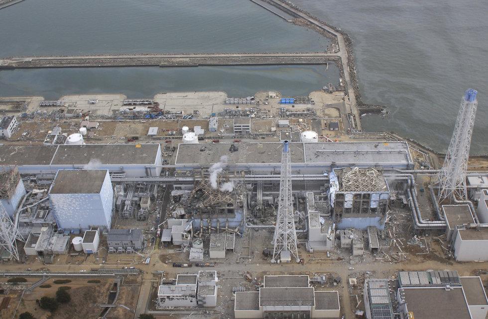 9434894-essay Дезактивацию АЭС Фукусима-1 проведут при помощи роботов