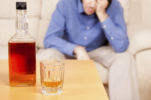 alkogolizm Увеличение продолжительности рабочего дня может стать причиной алкоголизма