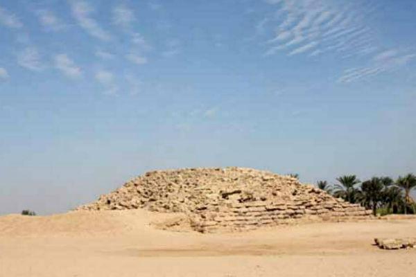 b_18af4cbd31db4e6ca14cfb30b4928465 В Египте откопана «провинциальная» пирамида