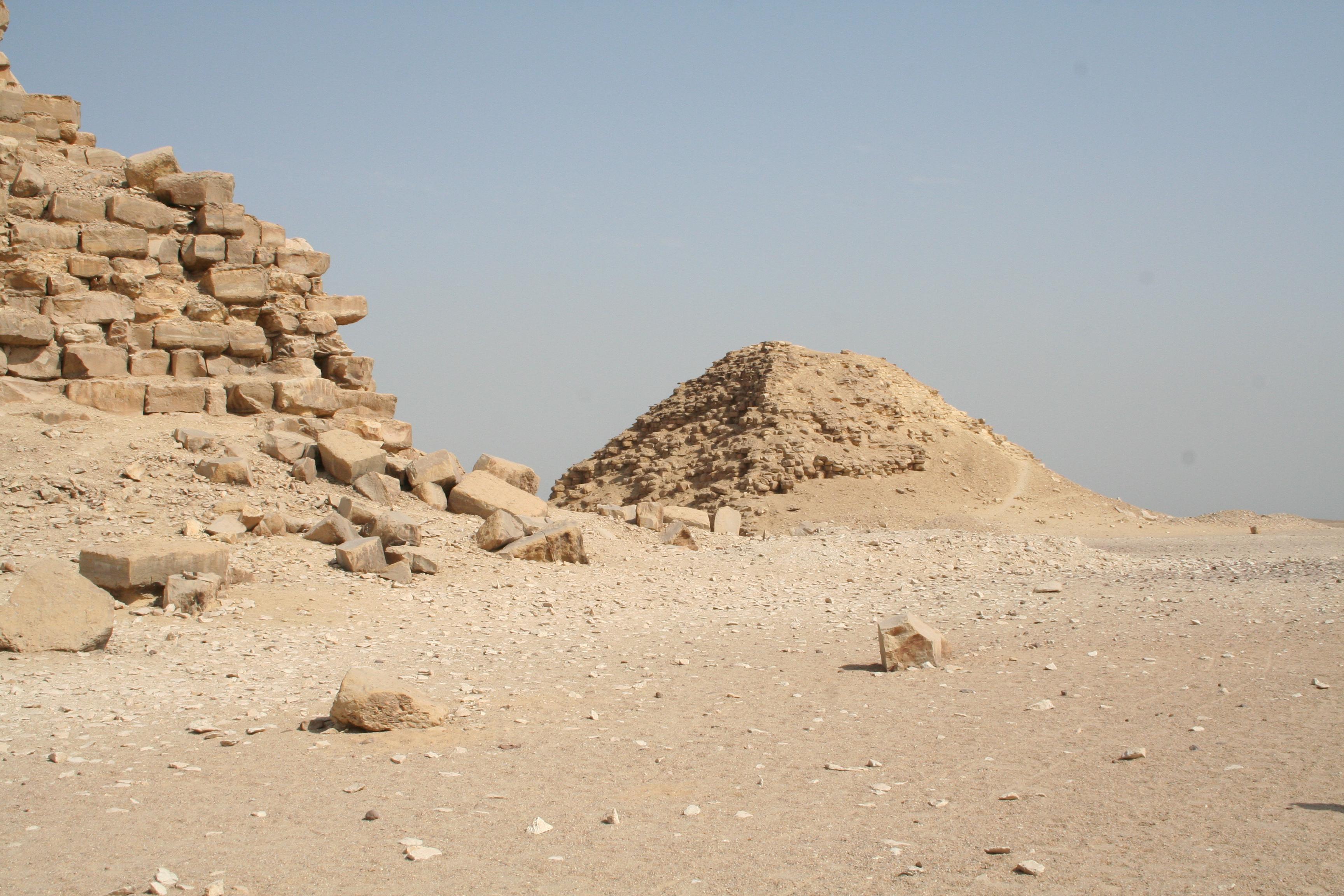 dahschur_sattelite_pyramid_01 В Египте обнаружили ранее неизвестную пирамиду