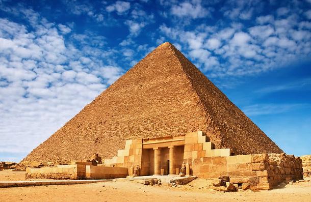 egypt0340201 Пирамида Хеопса оказалась перекошенной