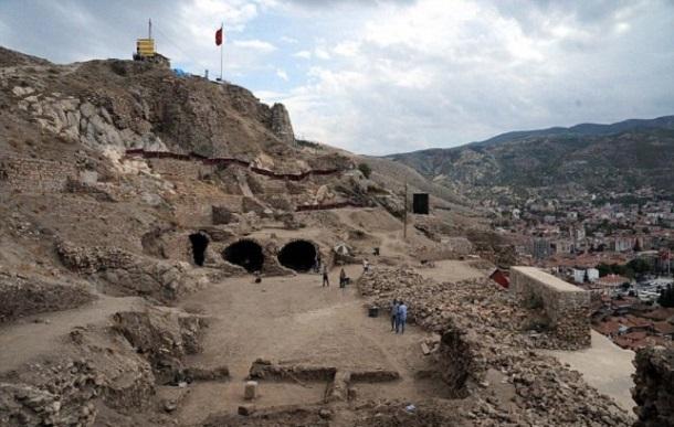 f1f1de8ed94ed2e7f9d82fa1e759f325 В Турции обнаружили темницу, в которой держали Дракулу