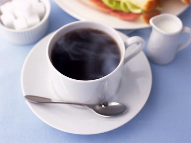 food_drinks_a_cup_of_black_coffee_011937_ Цвет чашки влияет на вкус кофе