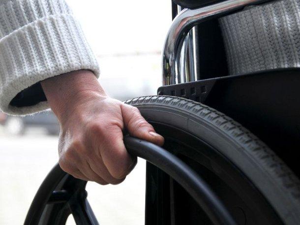 invalid136 Врачи научились без операций лечить парализованных людей