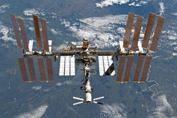 iss_2011 Международную космическую станцию превратят в первый космический отель
