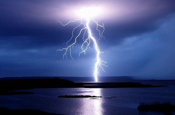 maxresdefault4 Куда чаще всего бьет молния?