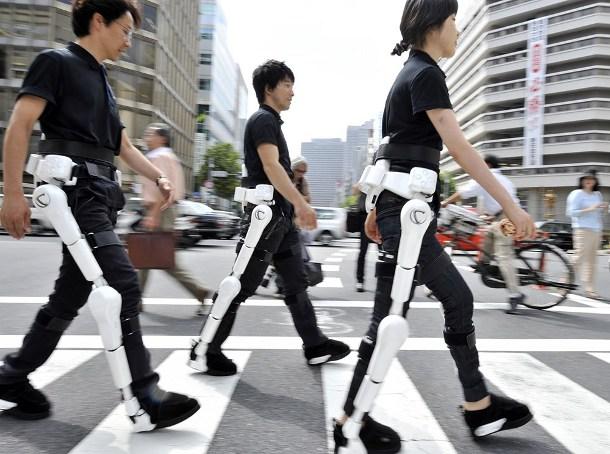 p7-briefs-z-20130228 В медстраховку для японцев включили киборг-костюмы