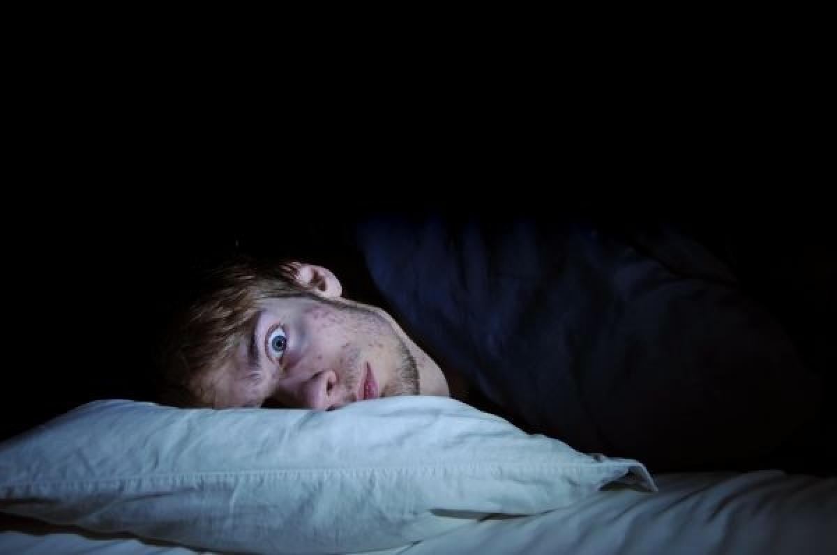 shutterstock-awake-man Бессонница повышает риски инсульта
