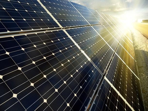 solar-panel-2 Из солнечной энергии ученые научились производить жидкое топливо
