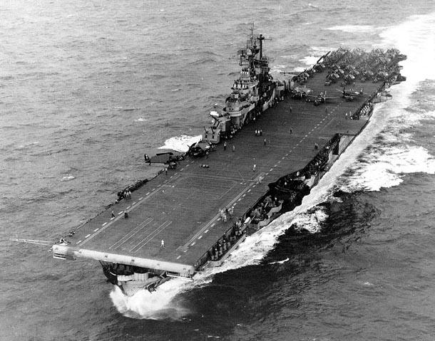uss_intrepid_1944021125 У берегов США нашли затопленный радиоактивный авианосец