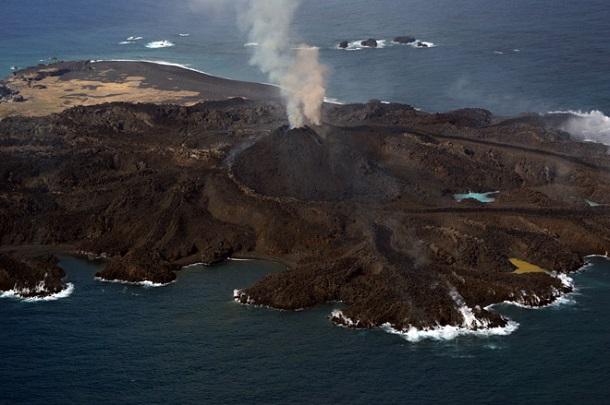 yaponiya После извержения вулкана в Японии появился новый остров